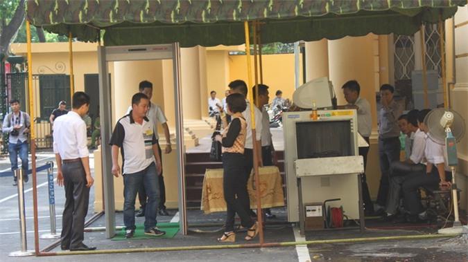 Đề nghị tạm đình chỉ vụ án đối với ông Trần Xuân Giá