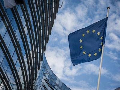 EC cáo buộc 3 ngân hàng thao túng Euribor