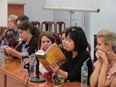 Tác giả Xuyên Mỹ: Không cổ vũ phụ nữ Việt ly hôn