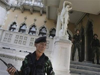 Sự nguy hiểm của đảo chính nửa vời ở Thái Lan