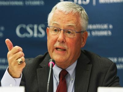 Carl Thayer: 'Các cơn bão sẽ cho Trung Quốc cơ hội xuống thang'
