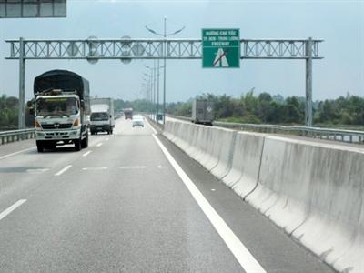 Sẽ xây dựng nhiều đường cao tốc 2 làn xe do chưa đủ vốn
