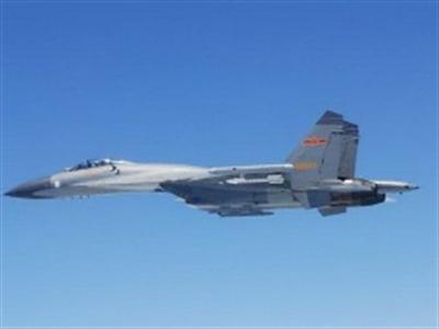 Tướng Mỹ: Tiêm kích Trung Quốc thường xuyên thách thức máy bay Mỹ