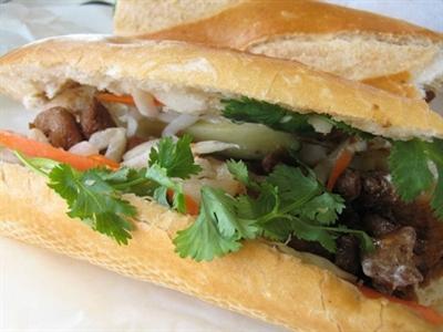 Công ty mẹ KFC bán bánh mỳ kẹp Việt Nam