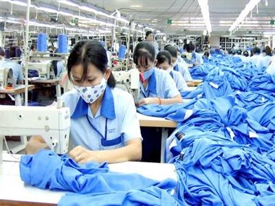 Xuất khẩu dệt may đạt hơn 7,4 tỉ USD