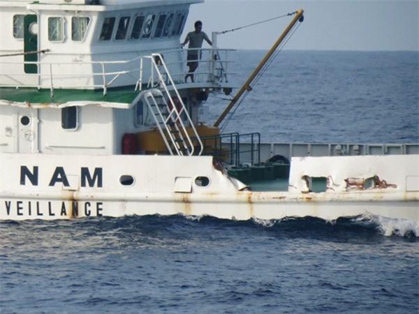 Tàu Trung Quốc manh động hơn, đâm trực tiếp tàu Kiểm ngư Việt Nam