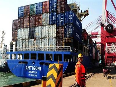 Thặng dư thương mại tháng 5 của Trung Quốc tăng vọt