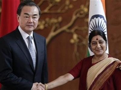 Vì sao Trung Quốc sốt sắng bắt tay với Ấn Độ?