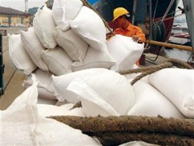 Lần thứ hai, Việt Nam thất bại đua giá với gạo Thái Lan