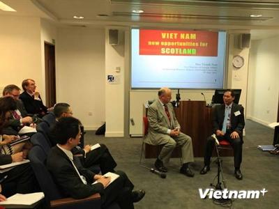 Việt Nam đẩy mạnh xúc tiến thương mại và du lịch tại Scotland
