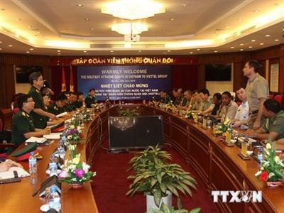 Tùy viên Quân sự các nước tại Việt Nam thăm Tập đoàn Viettel