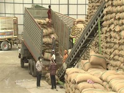 Chương trình trợ giá lúa gạo làm tăng nợ công của Thái Lan