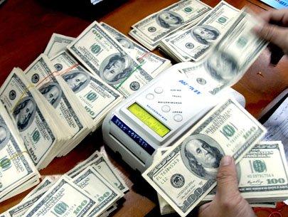USD duy trì đà tăng so với euro