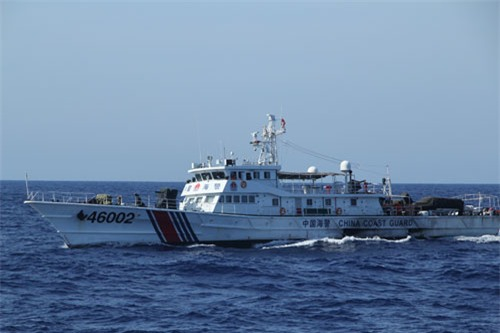 Tàu Trung Quốc dùng loa chống bạo động có thể gây thủng màng nhĩ