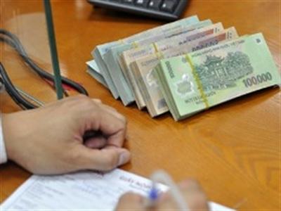 Ngân hàng và mặt trái của thừa tiền