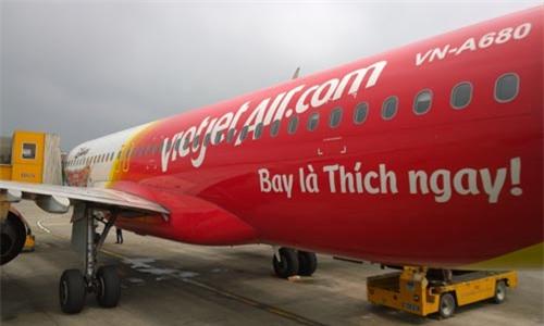 Máy bay đi Đà Lạt hạ cánh ở Nha Trang