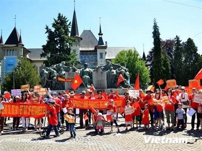 Thụy Sỹ: Tuần hành phản đối hành động leo thang của Trung Quốc