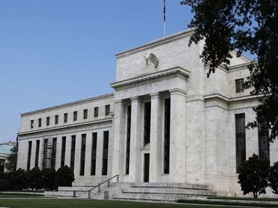 Fed cảnh báo ngân hàng sẽ bị kiểm tra khắt khe hơn