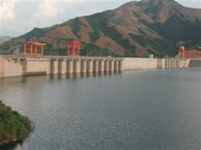 Nhiều hồ thủy điện ở miền Bắc cạn nước