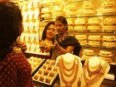Nhập khẩu vàng của Ấn Độ giảm mạnh trong nửa đầu năm 2014