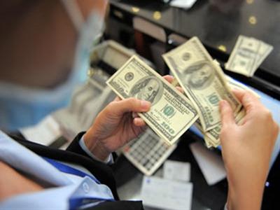 Ủy ban Giám sát Tài chính: Thanh khoản ngoại tệ đang chịu áp lực