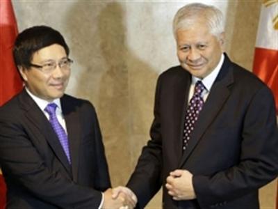 Hôm nay, Ngoại trưởng Philippines thăm Việt Nam