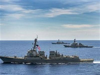 3 tàu khu trục Mỹ cùng tuần tra ở biển Đông