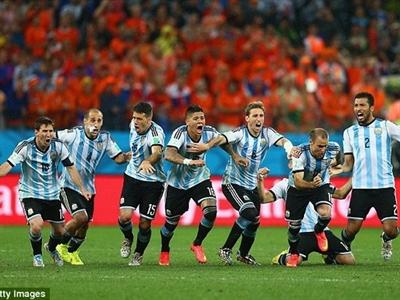 Vô địch World Cup sẽ giúp Argentina vượt qua khủng hoảng nợ?