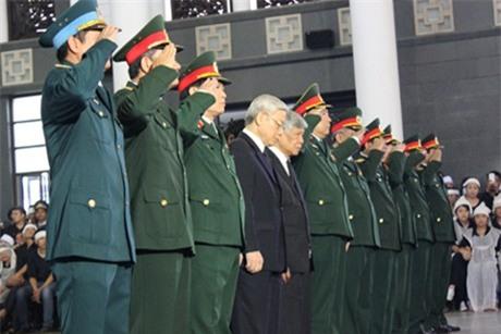 Tổ chức trọng thể lễ viếng 18 liệt sĩ trong vụ rơi máy bay