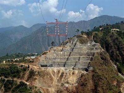 Ấn Độ xây cầu đường sắt cao nhất thế giới trên núi Himalaya