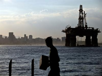 IEA: Nhu cầu dầu thô năm 2015 tăng nhanh nhất 5 năm