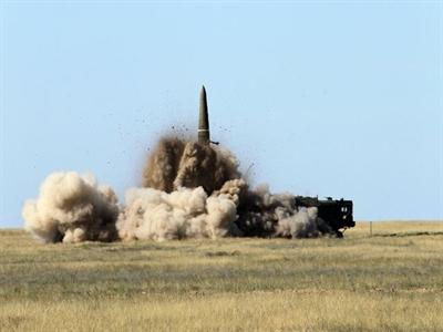 Nga dọa dùng vũ khí hạt nhân giữ Crimea