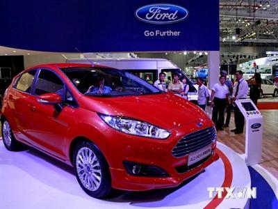 Thị trường ôtô tăng trưởng mạnh, xe máy trong cảnh