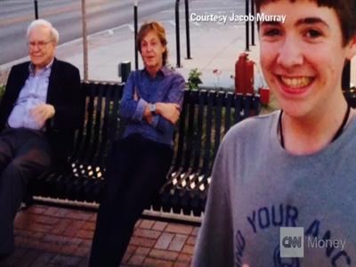 Ảnh selfie đẹp nhất thế giới: Buffet và cựu thành viên The Beatles