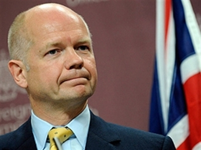Ngoại trưởng Anh bất ngờ từ chức
