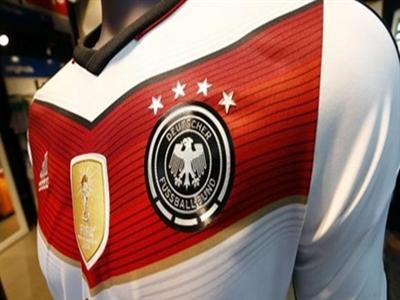 Áo 4 sao của tuyển Đức cháy hàng