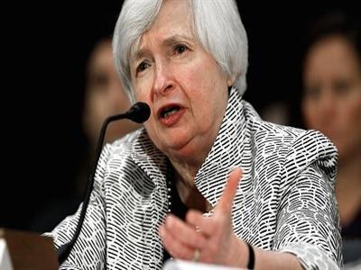 Fed bảo vệ chính sách nới lỏng tiền tệ do thị trường việc làm tăng trưởng yếu