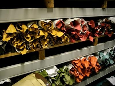 """Nghề làm rương """"may đo"""" của Louis Vuitton"""
