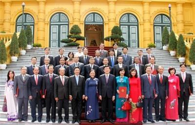 Trao quyết định bổ nhiệm cho 25 Đại sứ