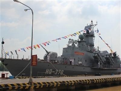 Vùng 2 Hải quân tiếp nhận 2 tàu tên lửa hiện đại
