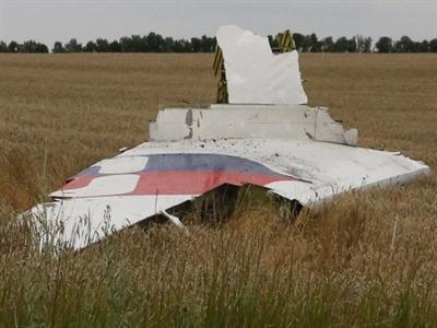 Tổng thống Ukraine tin máy bay Malaysia rơi là do khủng bố