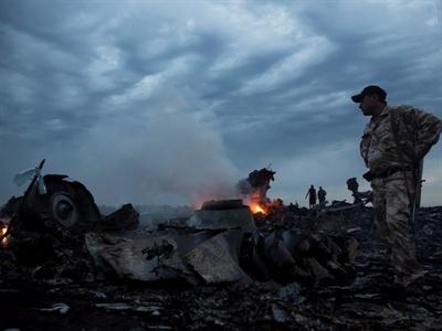 Hai máy bay tiêm kích Ukraine áp sát MH17 trước khi rơi