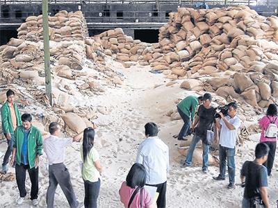 Phần lớn gạo trong kho bị cháy của Thái Lan đã hỏng
