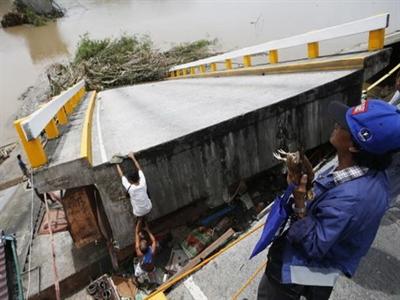 Philippines: Bão lại quét qua vùng vừa hứng bão Rammasun