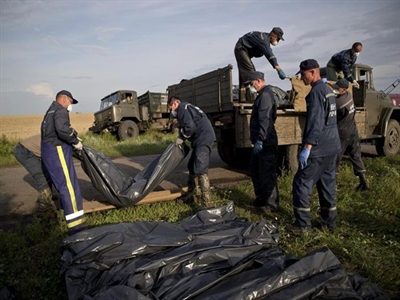 198 thi thể nạn nhân vụ máy bay MH17 bị phe ly khai đưa đến Donetsk