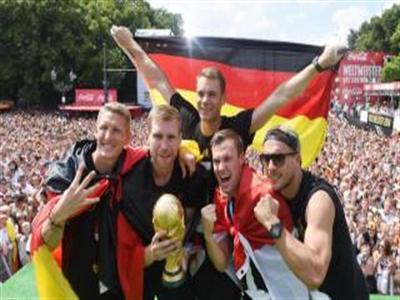 Tuyển Đức làm hỏng cúp vàng thế giới