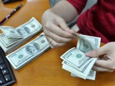 NHNN dồn dập mua ngoại tệ, tỷ giá ngân hàng tăng mạnh