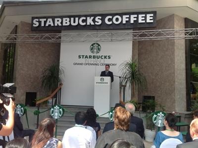 Starbucks chính thức khai trương cửa hàng đầu tiên tại Hà Nội