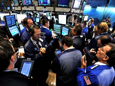 S&P 500 lập kỷ lục nhờ cổ phiếu Apple tăng mạnh