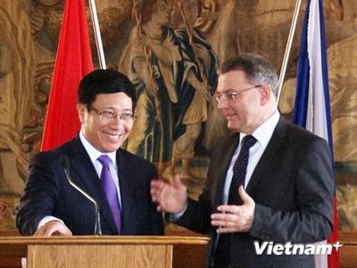 Phó Thủ tướng, Bộ trưởng Phạm Bình Minh thăm chính thức Cộng hòa Séc